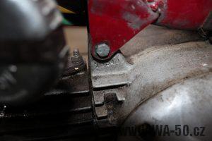 Nejstarší dochovaný kus motocyklu Jawa 550 Pionýr (pařez) v původním originálním stavu - výrobní číslo motoru litého do pískové formy