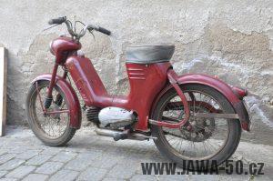Motocykl Jawa 550 Pionýr (pařez) z roku 1955 v původním originálním stavu - zadní blatník