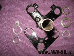 Jawa 23 Golden Sport 3. generace - sestava nosníku přední vidlice (brýlí)