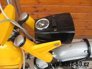 Jawa 23 Golden Sport 3. generace - přední světlomet Puch - přední světlomet Puch a jeho uchycení