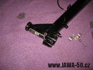 Jawa 23 Golden Sport 3. generace, mokik se sníženým výkonem - důmyslné řešení ochrany zámku řízení