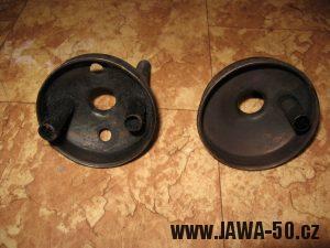 Jawa 23 Golden Sport 3. generace, mokik se sníženým výkonem - porovnání součástí tlumiče výfuku otevřené a přiškrcené verze