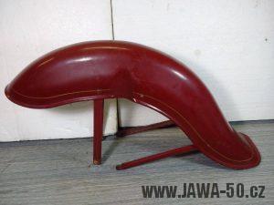 Náhradní přední blatník pro Jawa 550 továrně uzpůsobený z novějšího modelu Jawa 555